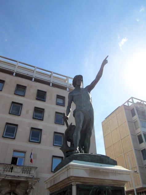 Le Genie De Navigation Statue